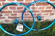 paire de roue Spank Spike Race 33 bleue neuve