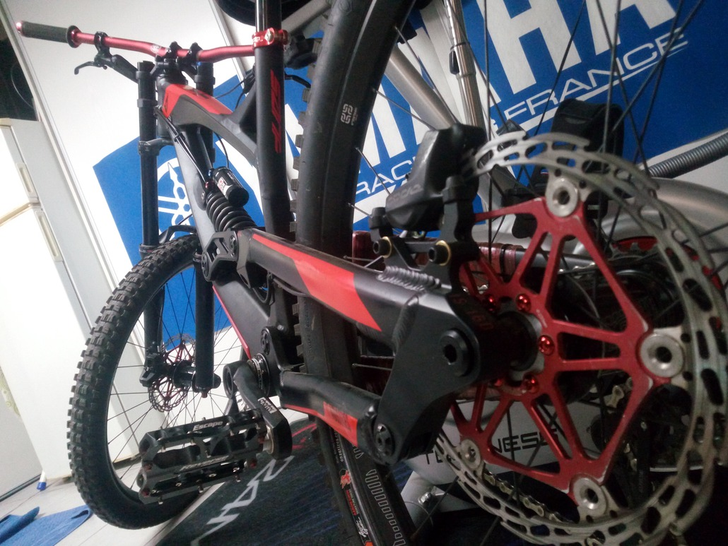 YT Industries tues DH : Tues alu 2018 / amazing