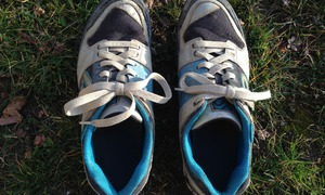 On voit bien les différences au niveau des coutures de l'avant du pied