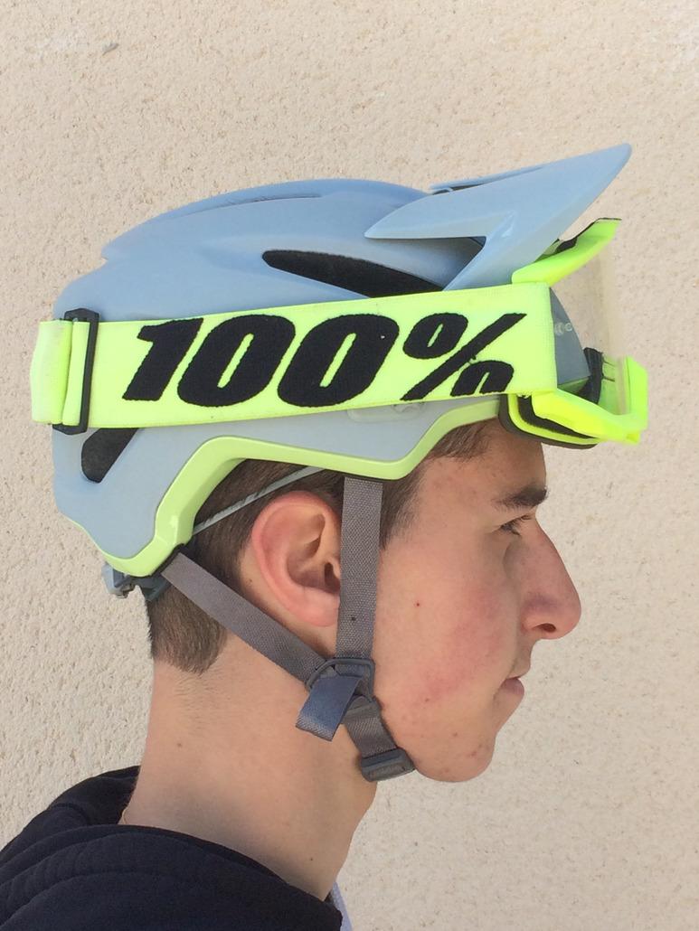 Bell 4FORTY MIPS : Un super casque AM/Enduro léger, efficace, MIPS qui se fait oublier et accepte les masques!
