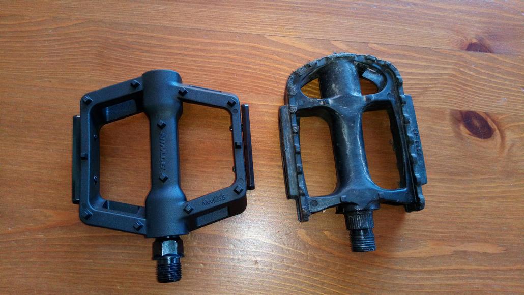 B'Twin Mtb grips 520 mtb pedals