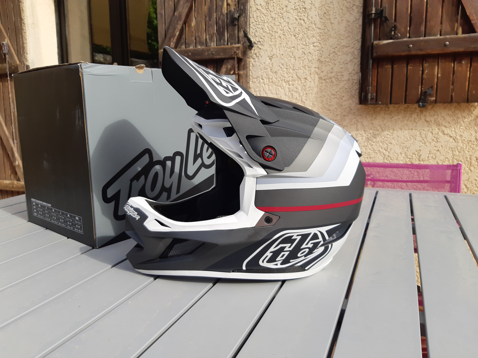 Troy Lee Designs D4 Composite
