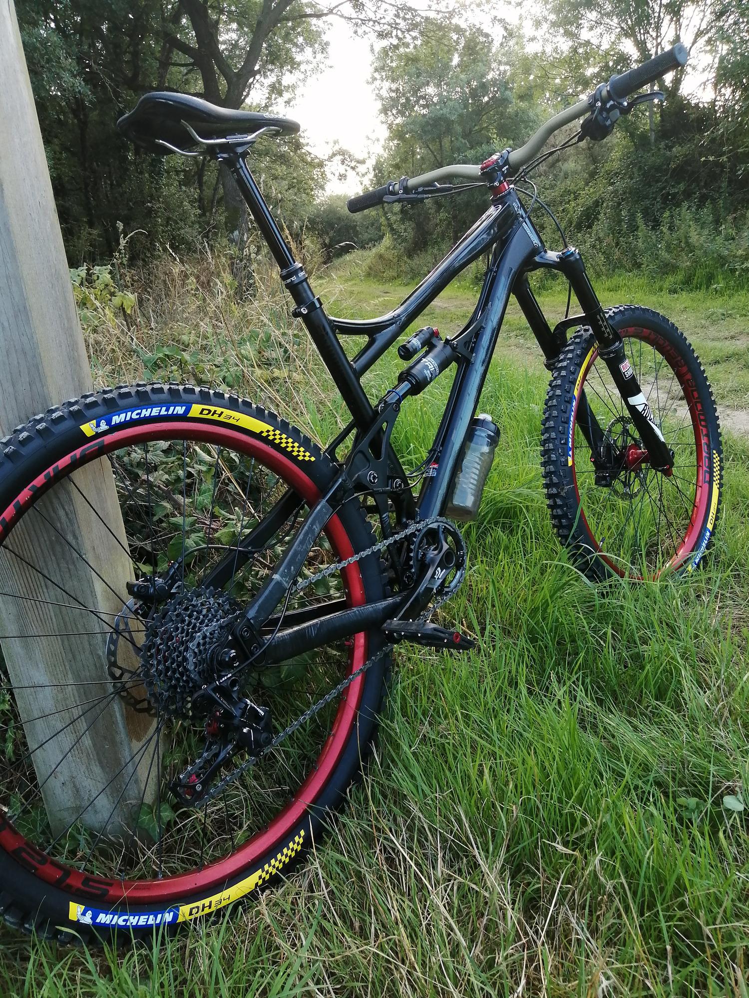 Banshee bikes rune
