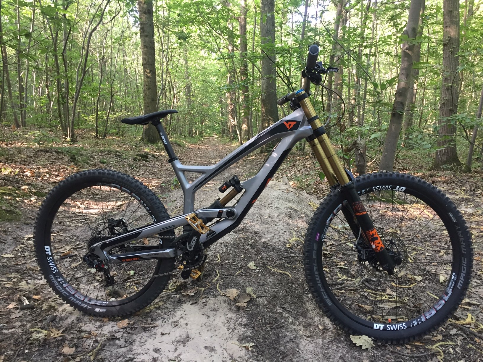 YT Industries TUES CF