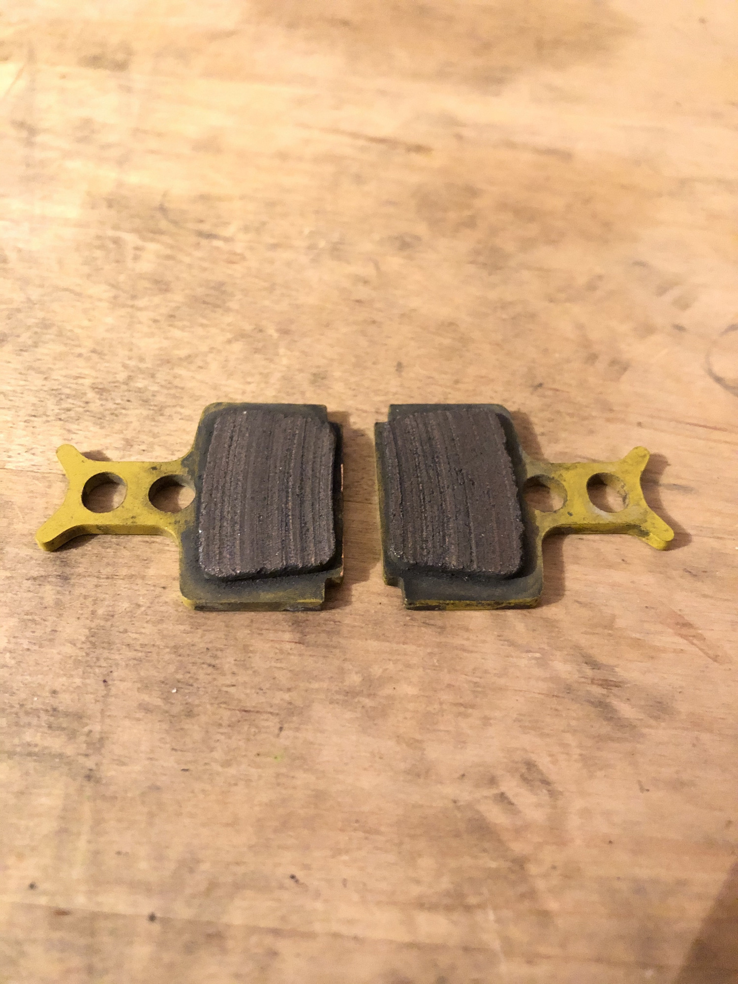 Alligator CERAMIC BRAKE PADS