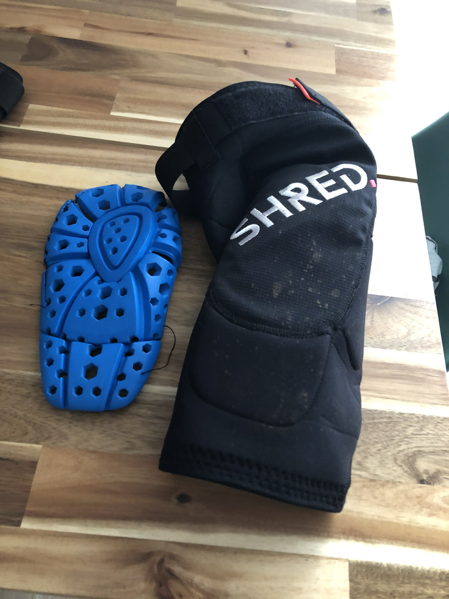 Shred. Flexi Knee pads Enduro
