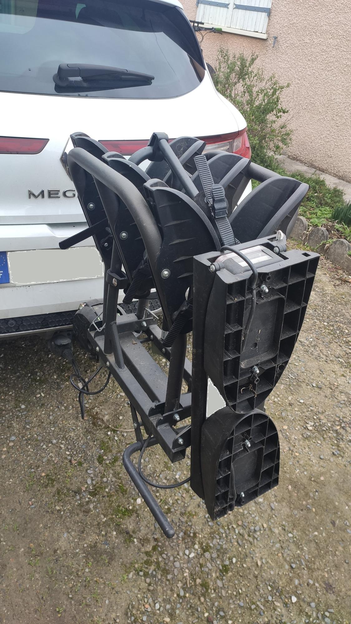 Mottez Pliable et rabattable 3 vélos